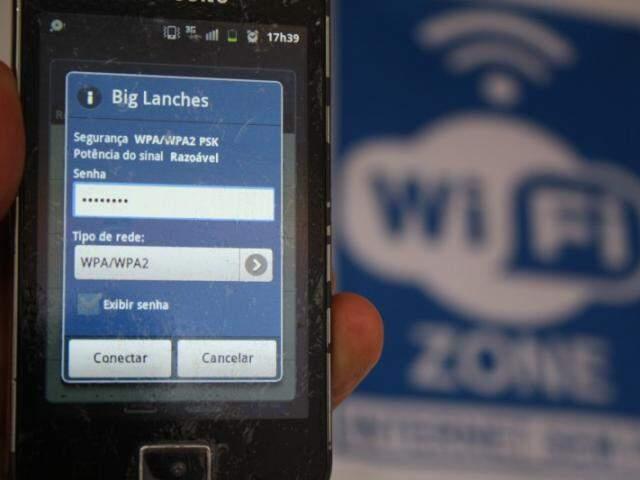 Quem não chega a um estabelecimento querendo logo a senha do wi-fi? Freguês que é freguês mesmo já conecta automaticamente. (Fotos: Marcos Ermínio)