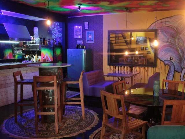 Com estilo do chão ao teto, Rabisco Bar inaugura nesta quinta-feira integrado a um dos estúdios de tatuagens mais populares da cidade. (Foto: Marcos Ermínio)