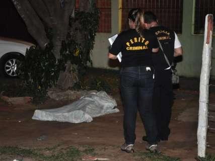 Em tarde de ameaças, rapaz  mata o pai a facadas no Los Angeles