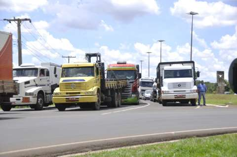 Lei amplia trabalho de motoristas para 12 horas e aumenta risco de acidentes