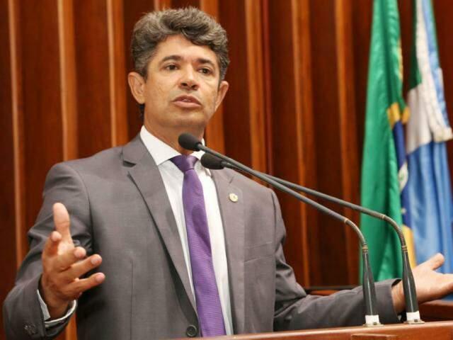 Rinaldo espera ter no palanque tucano a maioria dos aliados na Assembleia.