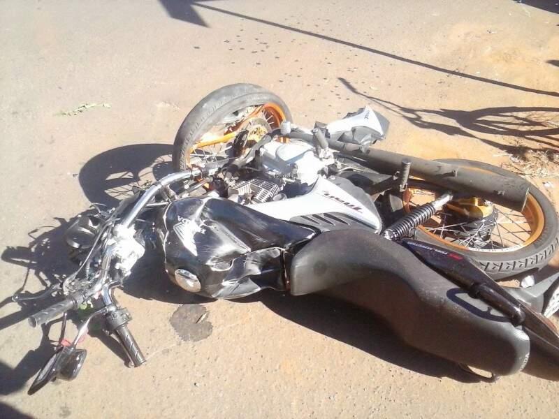 Após o acidente, o motociclista ficou em estado grave.(Foto:Direto das Ruas)