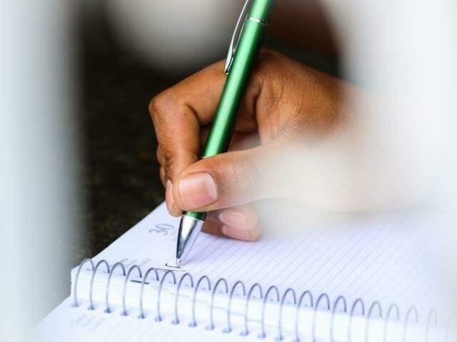 Taxa de analfabetismo é maios entre os negros e as pessoas de cor preta são a maioria dentre os que não sabem ler e escrever (Foto: André Bittar/Arquivo)