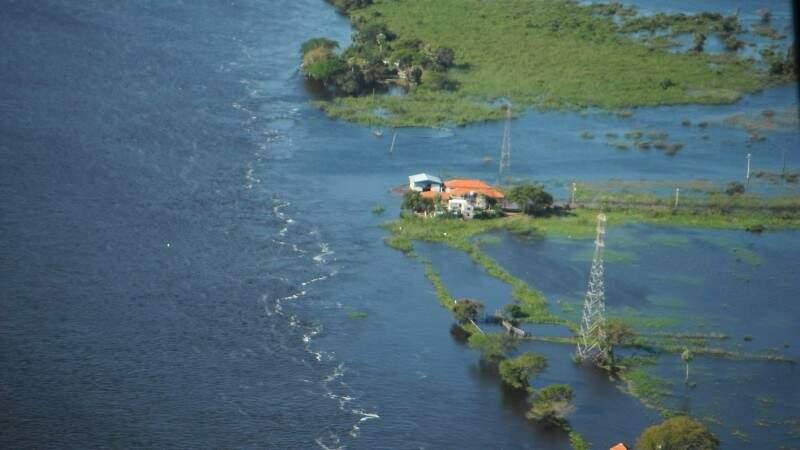 Na região de Ladário, rio Paraguai deve chegar a 5,5 metros (Foto: Carlos Padovani / Embrapa)