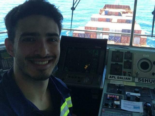 Patrick durante seu último turno de trabalho, na costa brasileira, no sul do país. (foto: Acervo Pessoal)