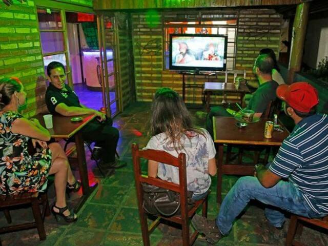 Ontem foram exibidos três filmes da dupla Cheech e Chong no Cabana Social Club (Foto: Gerson Walber)