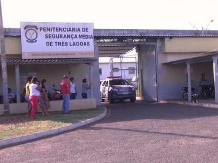 MP entra com ação civil pública contra esgoto a céu aberto em presídio
