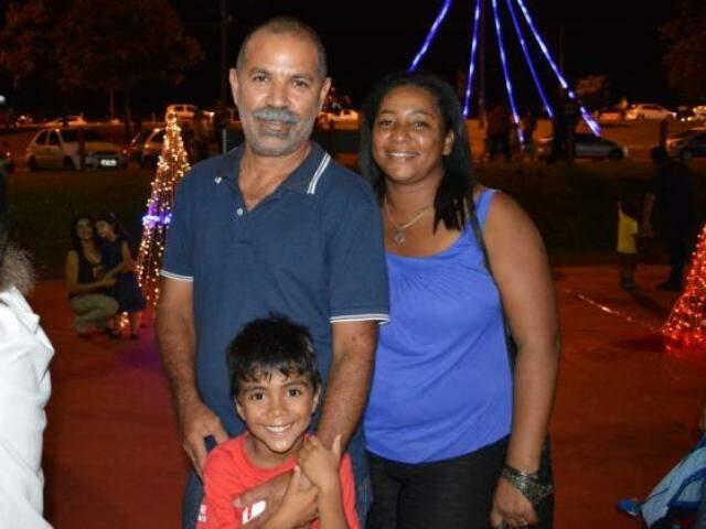 João Gomes e Maria Madalena aproveitaram o espaço com o neto
