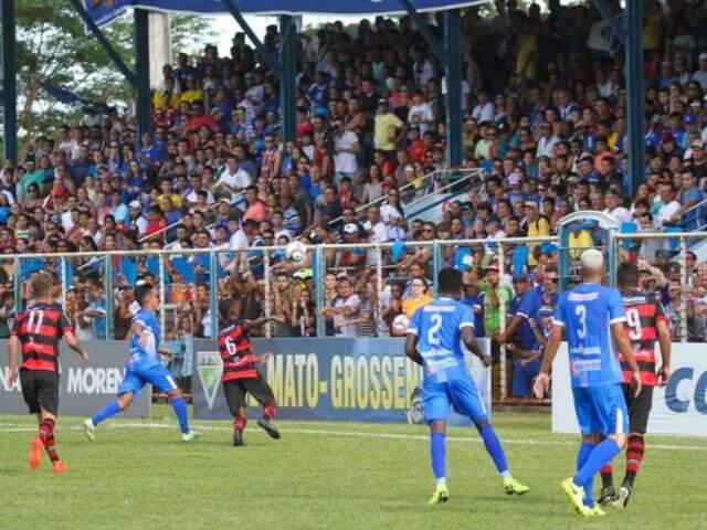 Águia Negra e Aquidauanense disputam título do Estadual de futebol (Foto: Franz Mendes)