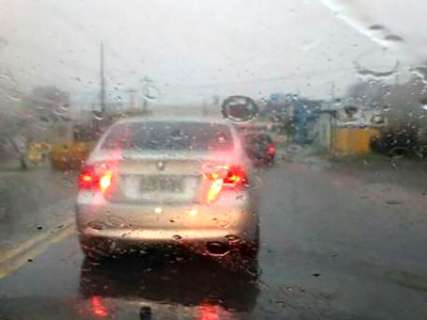 Chuva atinge 65 milímetros só nesta terça-feira e prejudica semáforos