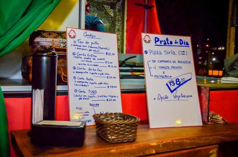 Food Park já tem até opção árabe com cardápio simples e receitas de família