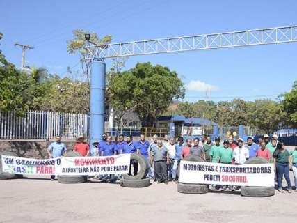 Protesto do setor de transporte fecha fronteira entre Corumbá e a Bolívia