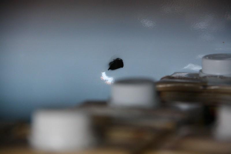 Gôndola de sucos baleada durante assalto no bairro Maria Aparecida Pedrossian. (Foto: Marcos Ermínio)
