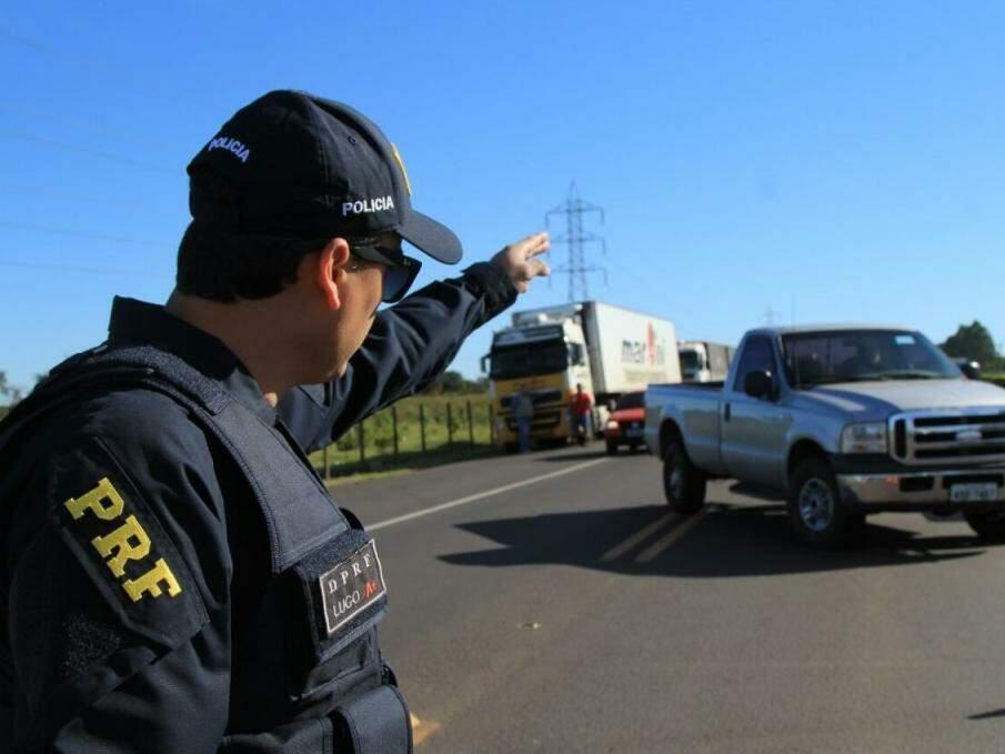 """PRF orienta """"ação redobrada"""" a motoristas que forem pegar estrada"""