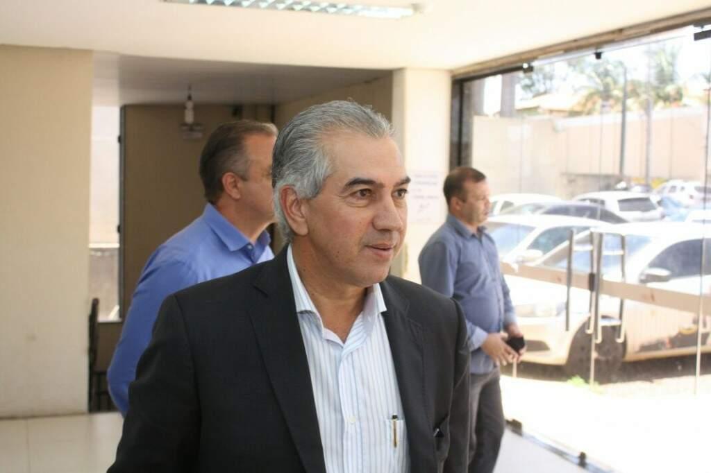 Reinaldo Azambuja participa de reunião com governadores em Porto Alegre (Foto: Paulo Francis)