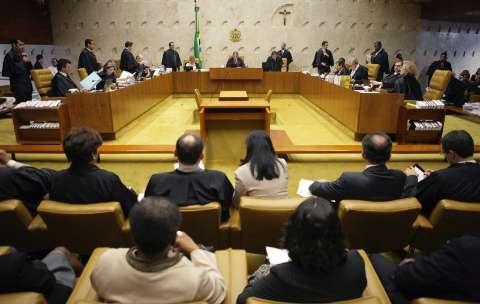 STF dá dez dias para que Temer e deputados expliquem reforma da previdência