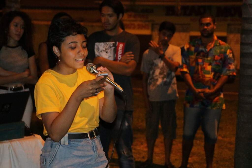 Mayara coloca na poesia as experiências de vida (Foto: Kimberly Teodoro)