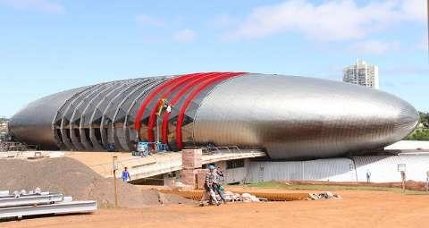 Reinaldo se diz confiante sobre conclusão do Aquário, mas com parceria privada