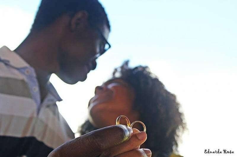 """""""É o amor que vai me levar para outro continente"""", diz a noiva. (Foto: Eduarda Rosa)"""