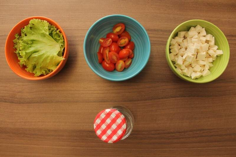 O ideal é que a salada seja bem colorida