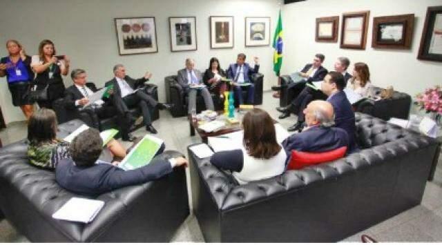 Governador do Estado, Reinaldo Azambuja (PSDB), durante reunião em Brasília (Foto: divulgação/assessoria de imprensa)