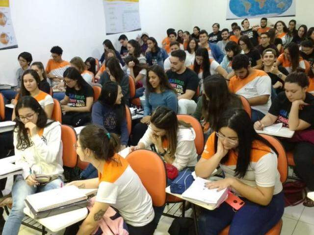 Alunos do cursinho Refferencial também participaram de revisão (Foto: Fernanda Palheta)
