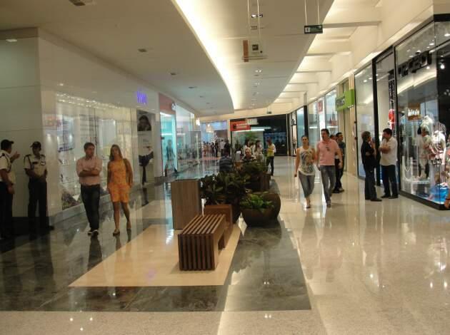 Aumento do preço veio após inauguração de obras de ampliação do centro comercial, inaugurada semana passada. (Foto: Pedro Peralta)