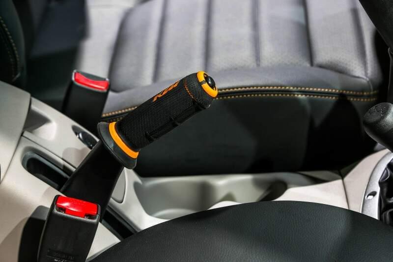 Manopla do freio de mão é personalizada