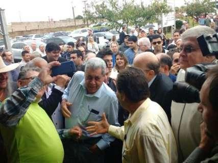 André e Meirelles comandam encontro para finalizar plano de governo