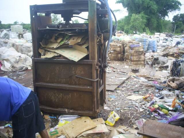 PMA flagrou área de dois hectares onde lixo era separado sem autorização. (Divugação PMA)