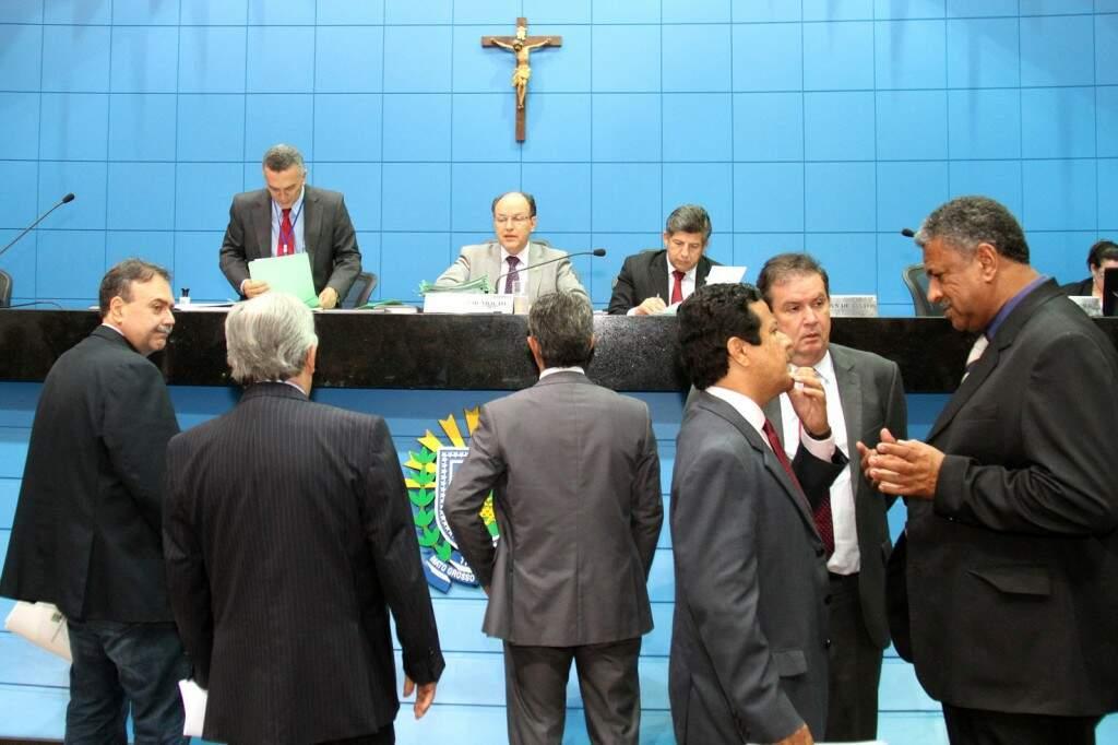 Deputados estaduais durante sessão na Assembleia (Foto: Assessoria/ALMS)