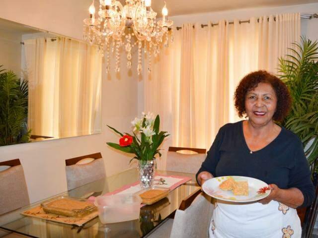 Nadir conta que era criança, quando a tia ensinou a tradicional receita em casa. (Foto: Danielle Valentim)