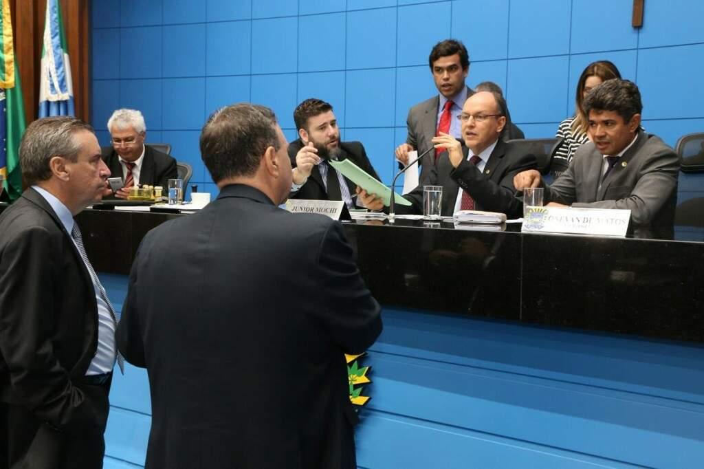 Deputados aprovaram projetos durante sessão desta quarta-feira (Foto: Assessoria/ALMS)