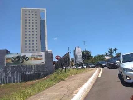 Fluxo de candidatos de concurso da PRF causa congestionamento na Ceará