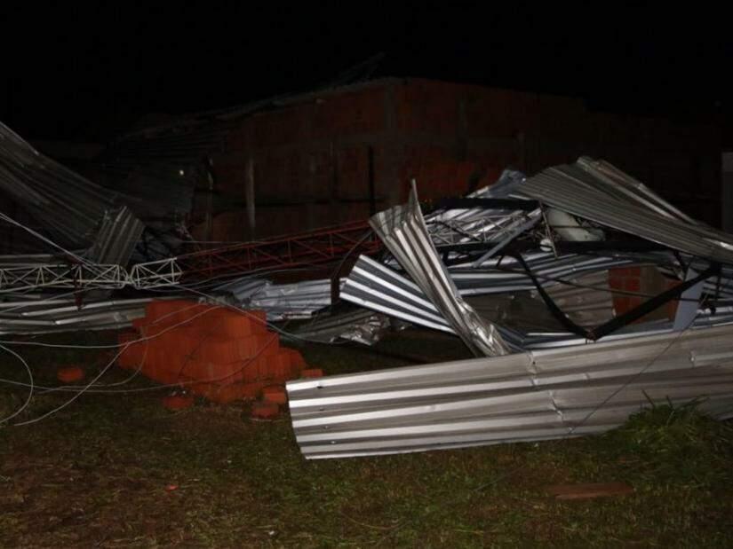 Temporal deixou rastro de destruição na cidade (Foto: divulgação/Defesa Civil)