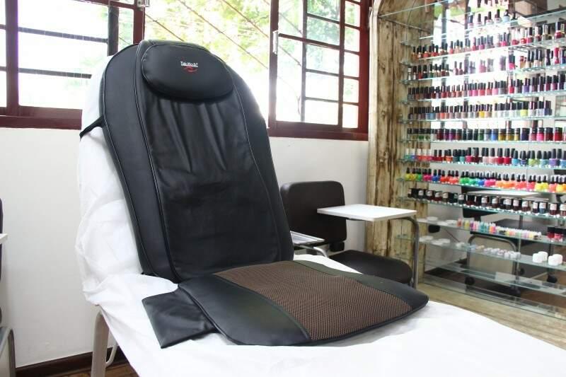 Originalmente, o equipamento de massagem foi projetado para se usado no carro. (Foto: Fernando Antunes)