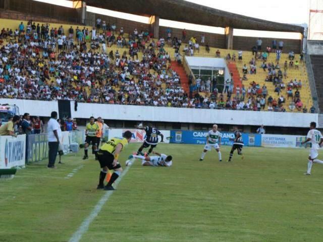 Jogo do Estadual de Futebol 2017 disputado no Estádio Morenão, em abril (Foto: Alcides Neto / Arquivo)