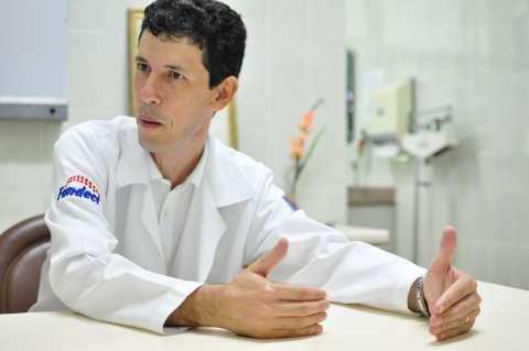 Médico alerta: dengue é pior para quem negligencia a saúde