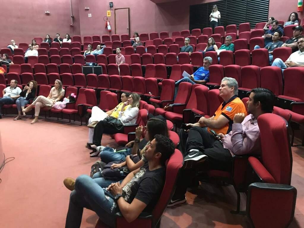 Público na palestra de Alex Bernardes. (Foto: Thailla Torres)