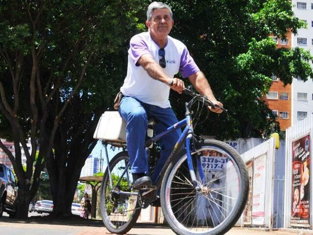 Andar de bicicleta trouxe qualidade de vida e felicidade no trabalho. (Foto: Alcides Neto)