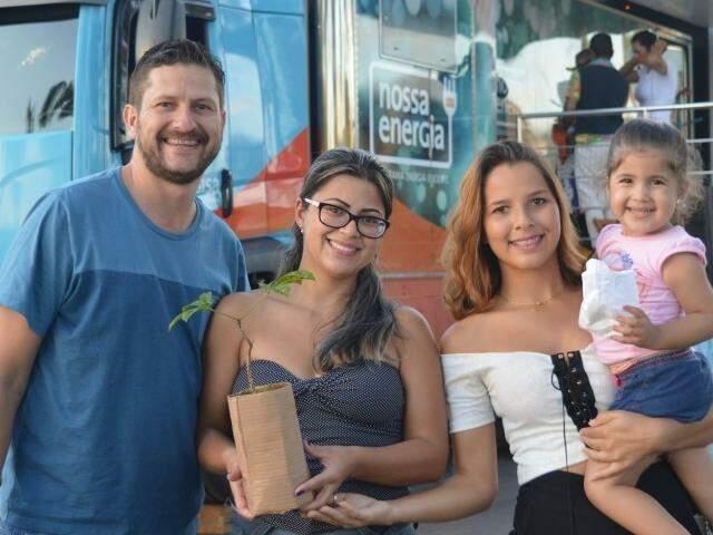 No ano passado, a concessionária organizou a mesma ação e distribuiu mudas para as famílias. (Foto: Divulgação)