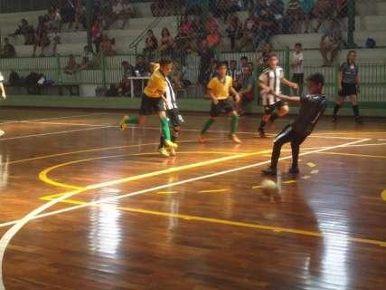 Copa Pelezinho chega na 6ª rodada com goleadas neste sábado