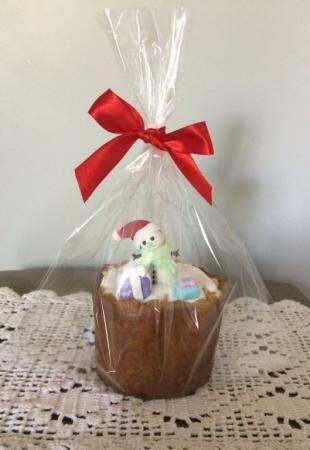 Cucatone decorada com confeitinhos natalinos. (Foto: Acervo Pessoal)