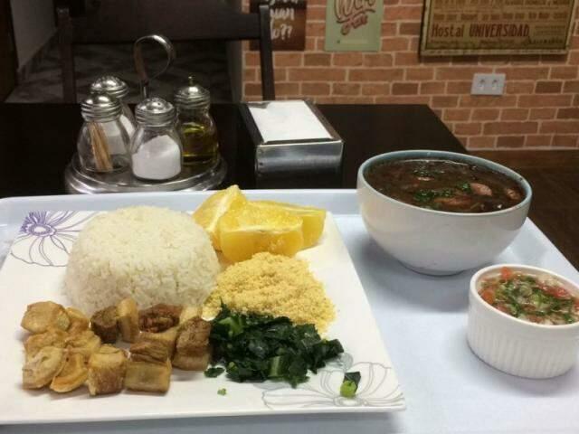 A feijoada foi escolhida por ser um dos pratos típicos mais conhecidos e populares da culinária brasileira. (Foto: Salamanca Café)