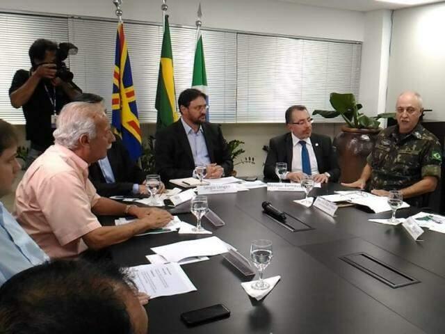 Reunião foi realizada na tarde desta segunda-feira na Casa da Indústria (Foto: Kleber Clajus)