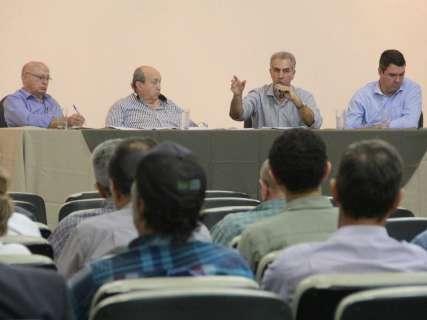 Em reunião com produtores rurais, Reinaldo se defende de denúncias
