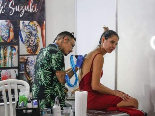 Com mais de 100 artistas, festival mostra universo das tatuagens através da arte