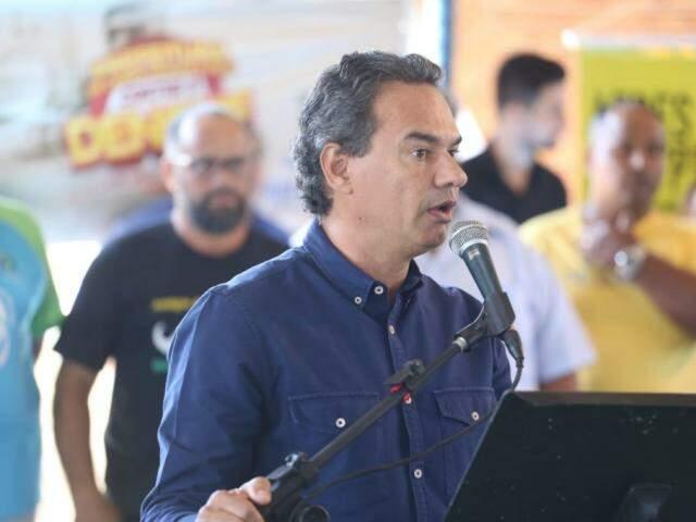 Prefeito evidenciou o trabalho dos agentes de endemias nos bairros (Foto: Marcos Maluf)