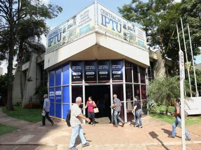 Metade paga à vista e prefeitura arrecada R$ 288 milhões com IPTU