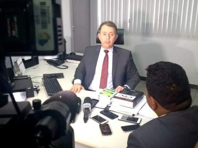 Juiz Paulo Afonso de Oliveira durante coletiva de imprensa no dia 31 de julho de 2018. (Foto: Arquivo)